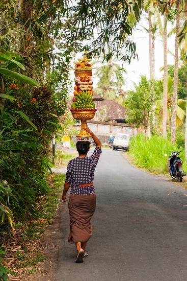 Woman Carrying Offering to Temple, Pejeng Kaja, Tampaksiring, Bali, Indonesia--Photographic Print