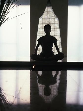https://imgc.artprintimages.com/img/print/woman-meditating_u-l-pln3a60.jpg?p=0