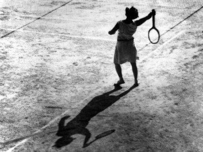 https://imgc.artprintimages.com/img/print/woman-playing-tennis-alfred-eisenstaedt-s-first-photograph-ever-sold_u-l-p691es0.jpg?p=0