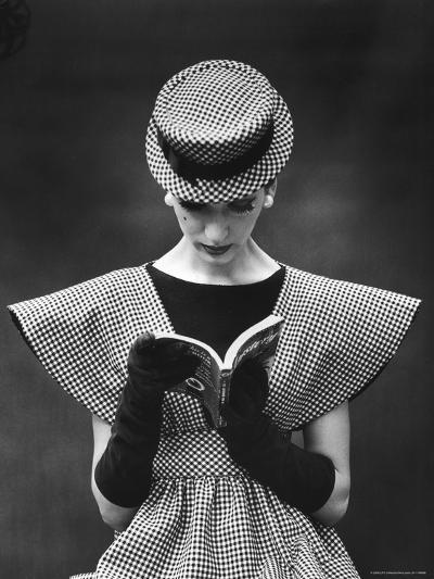 Woman Wearing Wide Shoulder Fashion Look-Nina Leen-Photographic Print