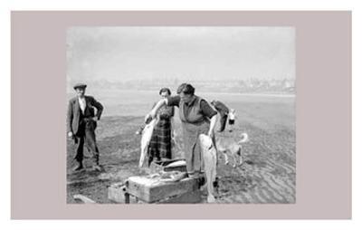 Women at War: Fisherwomen--Art Print