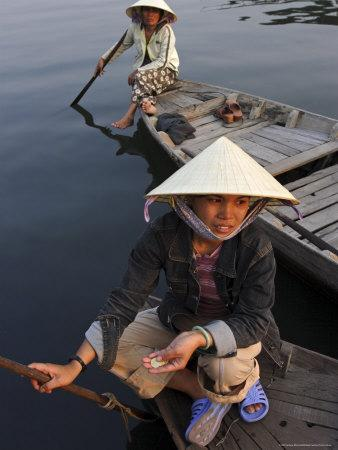 https://imgc.artprintimages.com/img/print/women-ferrying-boats-await-a-fare-hoi-an-vietnam-indochina-southeast-asia_u-l-p1qw2r0.jpg?p=0