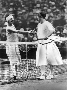 Women Finalist of Wimbledon Tennis Championship : Miss Froy and Suzanne Lenglen (L) in 1925