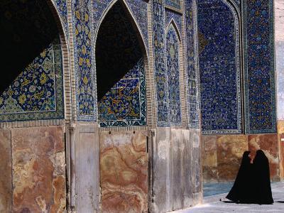 Women in Chadors Outside Masjed-E Emam, Previously Masjed-E Shah, Esfahan, Iran-John Borthwick-Photographic Print