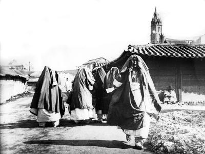 Women, Nam San, Korea, 1900--Giclee Print