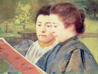 Women Reading-Mary Cassatt-Giclee Print