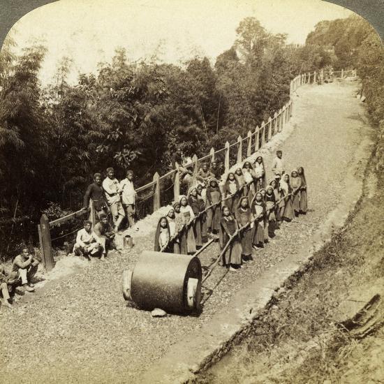 Women Working on the Darjeeling Highway, India-Underwood & Underwood-Photographic Print