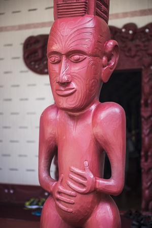 https://imgc.artprintimages.com/img/print/wooden-carving-at-a-maori-meeting-house-waitangi-treaty-grounds-bay-of-islands_u-l-q12r5cl0.jpg?p=0