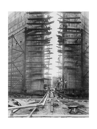 Worker on Panama Canal Lock--Giclee Print