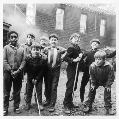 https://imgc.artprintimages.com/img/print/working-class-children-in-sheffield-playing-in-the-street_u-l-q1088bc0.jpg?p=0