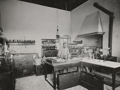 World War I: Chemical Laboratory in a Military Hospital--Photographic Print