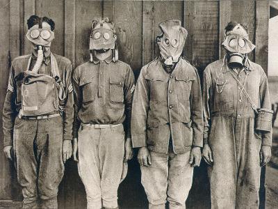 World War I: Gas Warfare--Photographic Print