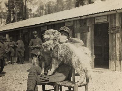 World War I: Italian Soldier with Dogs--Photographic Print