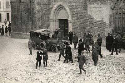 World War I Soldiers with General Porro and General Della Noce Di Caporiacco-Ugo Ojetti-Photographic Print