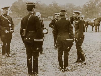World War I: The British King George V (1865-1936) with a Group of French Officers--Photographic Print