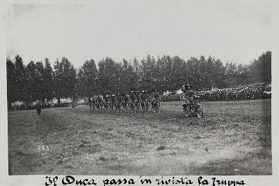 World War I: The Duke Mustering the Troops--Photographic Print