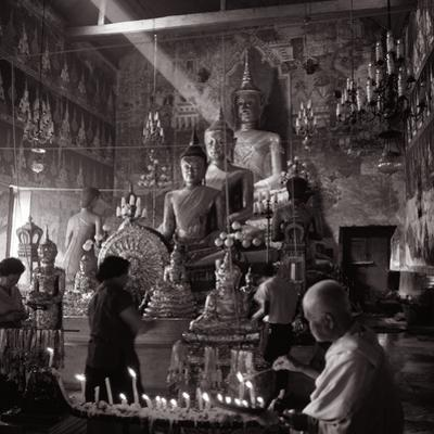 Worshippers in the Temple