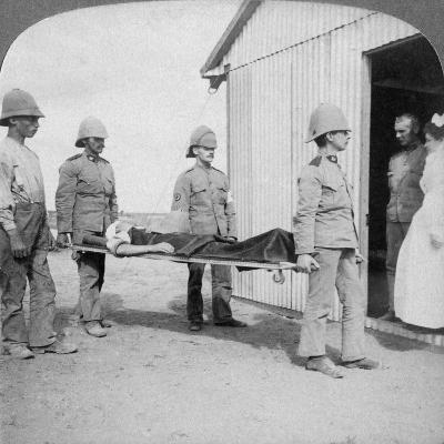 Wounded Fusilier after the Boers' Brave Stand Near Orange River, South Africa, Boer War, 1900-Underwood & Underwood-Giclee Print