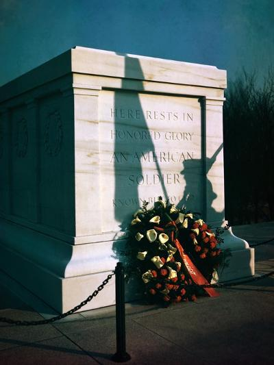 Wreath at Tomb of the Unknowns in Virginia--Photographic Print