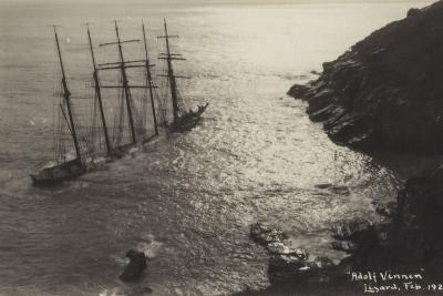 Wreck of the Adolf Vinnen, the Lizard, Cornwall, February 1923--Photographic Print