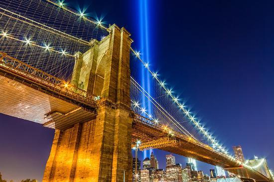 wtc-light-over-brooklyn-bridge