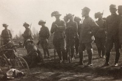 WWI: the Ninth Battalion of the Bersaglieri Cyclists--Photographic Print