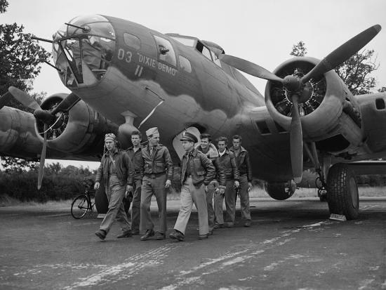 WWII Flying Fortress Crew 1942--Photographic Print