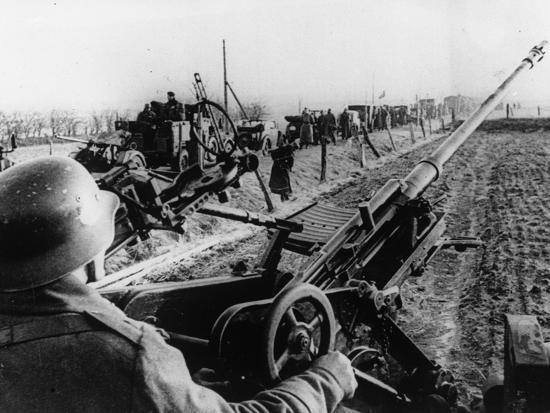 WWII German Anti Aircraft Crew--Photographic Print