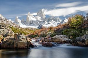 Corre Fitz Roy in Patagonia, Argentina by www.johnbarwood.com