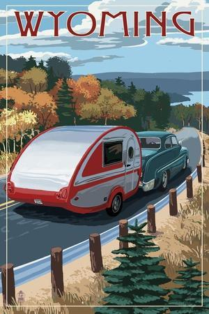 https://imgc.artprintimages.com/img/print/wyoming-retro-camper-on-road_u-l-q1gqvp70.jpg?p=0