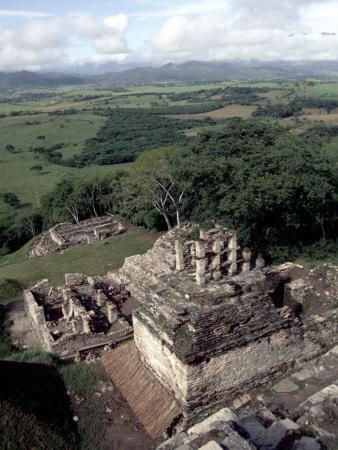 https://imgc.artprintimages.com/img/print/yachilan-mayan-ruins-mexico_u-l-p4hxgo0.jpg?p=0