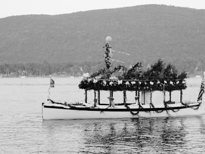 Yacht Etto, Regatta Day, Fort Willam Henry Hotel, Lake George, N.Y.--Photo