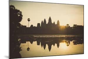 Angkor Wat Temple, Angkor, UNESCO World Heritage Site, Cambodia, Indochina, Southeast Asia, Asia by Yadid Levy