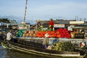 Cai Rang Floating Market at the Mekong Delta, Can Tho, Vietnam, Indochina, Southeast Asia, Asia by Yadid Levy