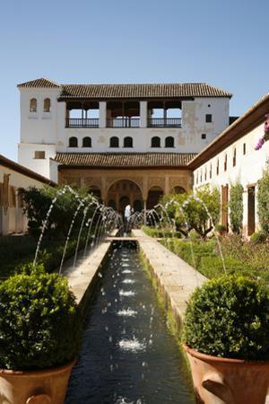 Generalife Gardens, Alhambra Palace, UNESCO World Heritage Site, Granada, Andalucia, Spain, Europe