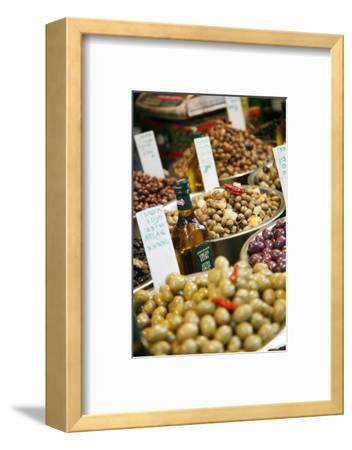 Olives Stall, Shuk Hacarmel (Carmel Market), Tel Aviv, Israel, Middle East