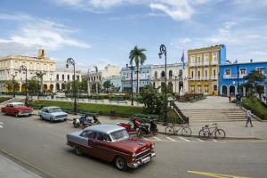 Parque Serafin Sanchez Square, Sancti Spiritus, Cuba, West Indies, Caribbean, Central America by Yadid Levy
