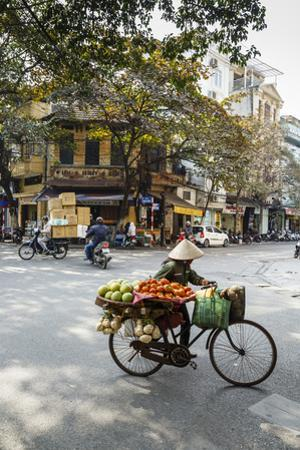 Street Scene in the Old Quarter, Hanoi, Vietnam, Indochina, Southeast Asia, Asia