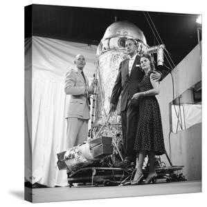 Air Force Lieutenant David G. Simons, Aeronautics Engineer Otto Winzen, and Vera Winzen, 1957 by Yale Joel