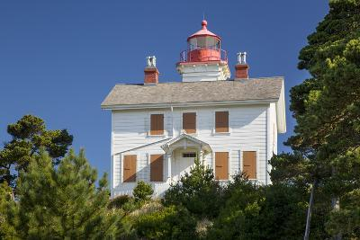 Yaquina Bay Lighthouse, Newport, Oregon, USA-Brian Jannsen-Photographic Print