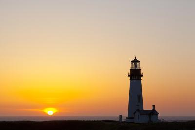 Yaquina Head Lighthouse, 1873, Newport, Oregon, USA-Jamie & Judy Wild-Photographic Print
