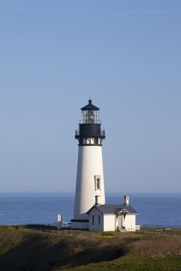 Yaquina Head Lighthouse, 1873, Newport, Oregon, USA-Jamie & Judy Wild-Photographic Print