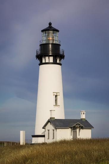 Yaquina Head Lighthouse, Newport, Oregon, USA-Brian Jannsen-Photographic Print