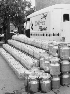 Year's Supply of Milk Donated by Dairy for the Fischer Quintuplets