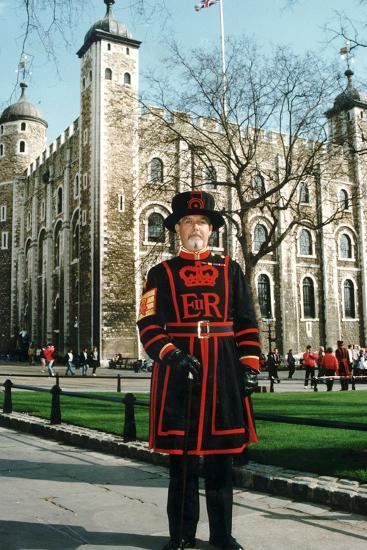 Yeoman Warder of the Tower of London-Associated Newspapers-Photo