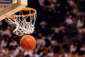 Scoring the Winning Points at a Basketball Game by yobro