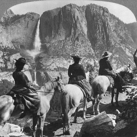 Yosemite Falls, from Glacier Point Trail, Yosemite Valley, California, USA, 1901-Underwood & Underwood-Giclee Print