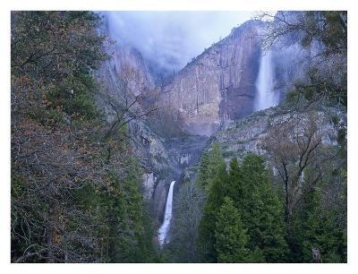 Yosemite Falls in spring, Yosemite National Park, California-Tim Fitzharris-Art Print