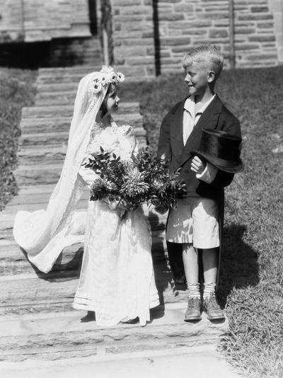 Young Bride and Groom-H^ Armstrong Roberts-Photographic Print