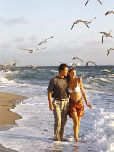 Young Couple Walking on the Beach-Bill Bachmann-Photographic Print